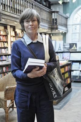 Caroline Cochrane, customer