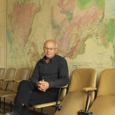 Viktor Okrugin, volcanologist