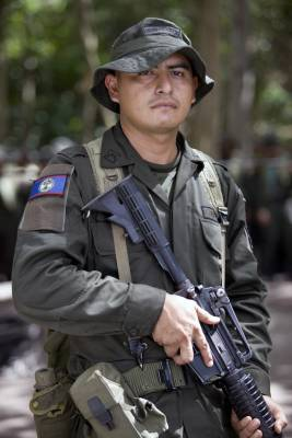 One of two policemen from Belize participating in the Jungla course