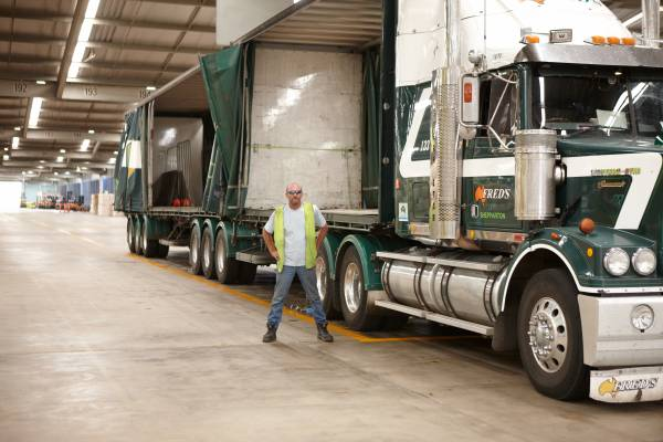 Trucking sub-contractor at Yennora Wool Selling Centre
