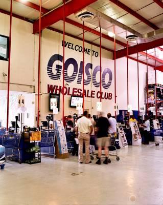 Goisco wholesale-style big-box store