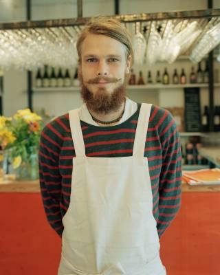 Petter Söderhäll, waiter at Leva café/restaurant