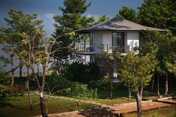 River Resort, Laos