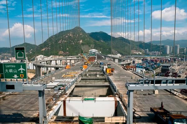Stonecutters Bridge spans 1,018m across the port of Hong Kong