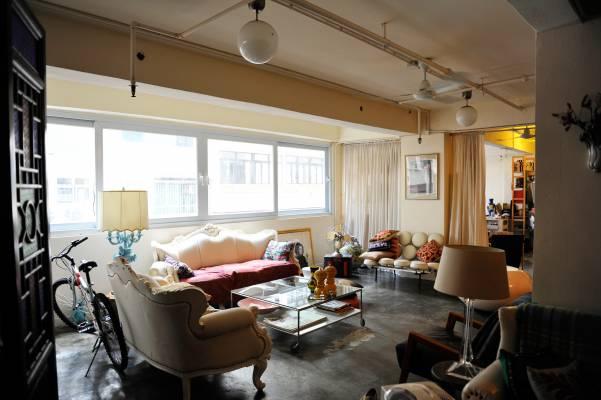 Alex Daye's and Ellis Krueger's flat
