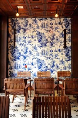 Tables at 208 Duecento Otto