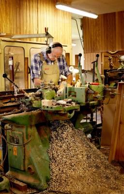 Anker Villumsen in the workshop