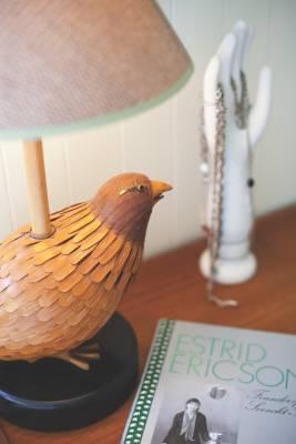 Wooden bird lamp base