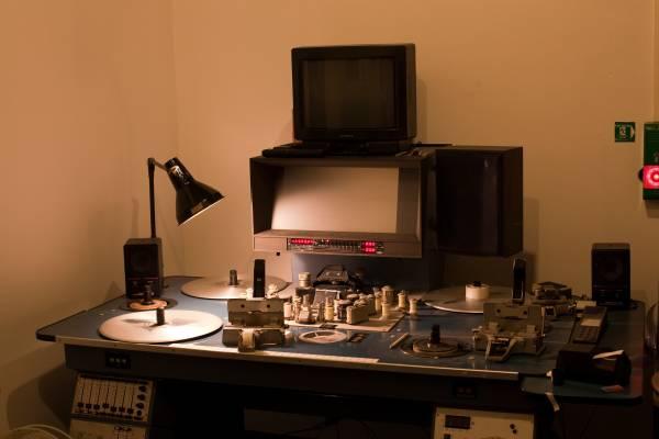 An old cutting desk in a Berlin studio