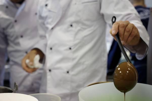 Making hazelnut flavour