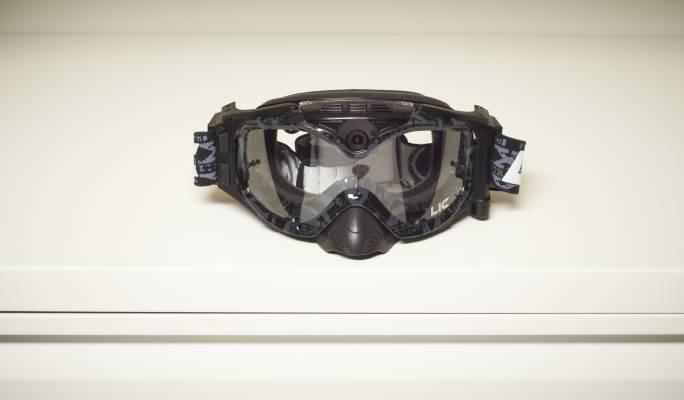 5- Liquid image snow goggles