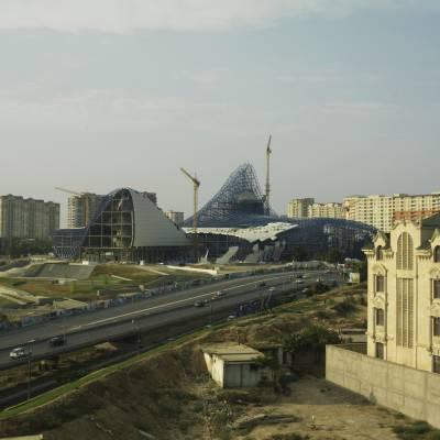 Zaha Hadid's Heydar Aliyev centre under construction