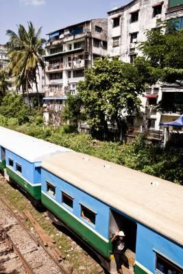 Train near Scott Market