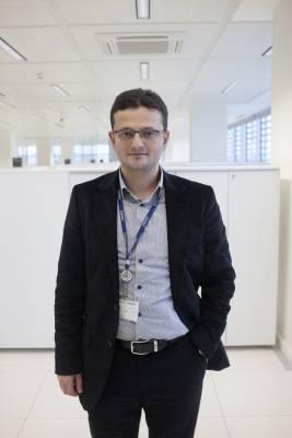Fevzi Yazici, Zaman's art director