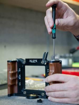 Screwing on rosewood handgrip
