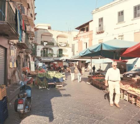 Antignano Market