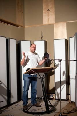 Marius Clarén, voice of Jake Gyllenhaal