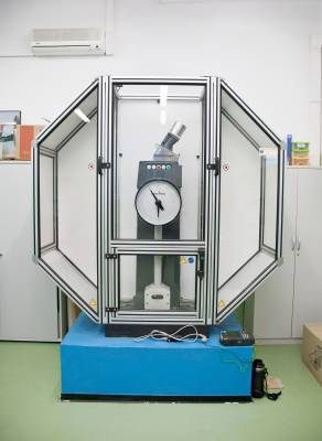 Impact tester at Rzeszów's technical university