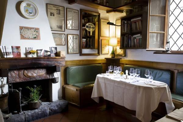 Cosy dining at Buca di Sant'Antonio