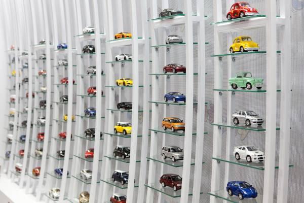 Kinsmart's licensed models on display