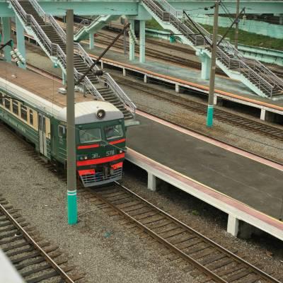 Local train at Vladivostok station