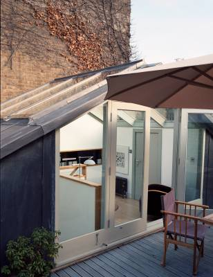 The roof terrace provides outdoor space