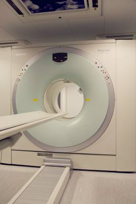 Oncos MRI machine