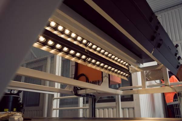 ZenRobotics halogen lamps used for near-infrared spectroscopy
