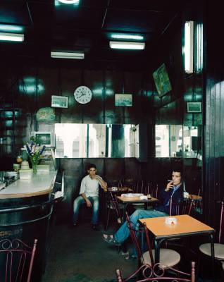 Café in Le Marché Central