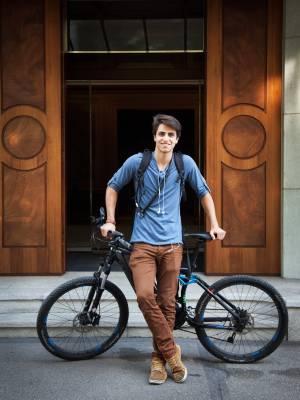 E-bike owner Davud Evren, Glärnischstrasse
