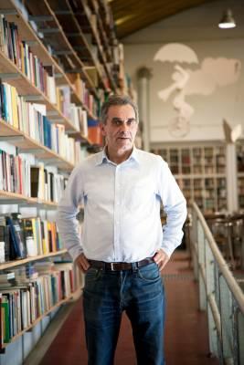 José Pinho, owner of Ler Devagar