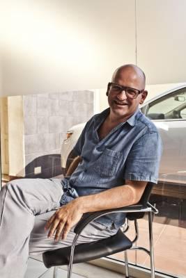 Jose Machado, 46