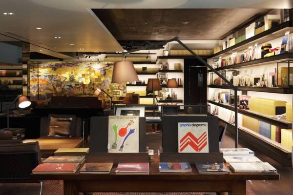 Tsutaya Books' second-floor Anjin lounge has armchairs, art and ambience