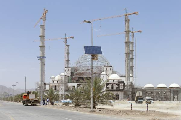 The Sheikh Zayed Mosque being built in Fujairah and new solar panels to power the street lights