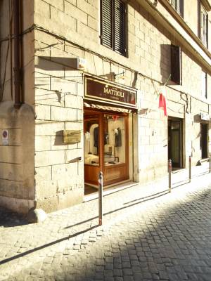 Clothes shop Camiceria Mattioli on Via della Stelletta
