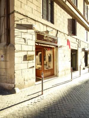 Clothes shop Camiceria Mattioli on Via della Stelletta
