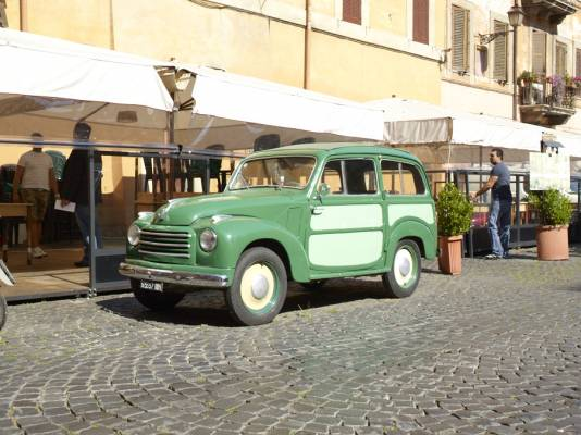 Old school: classic car in Trastevere