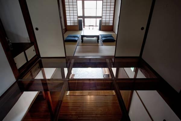 Transparent acrylic floors