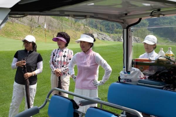 Members' wives, Namchuncheon