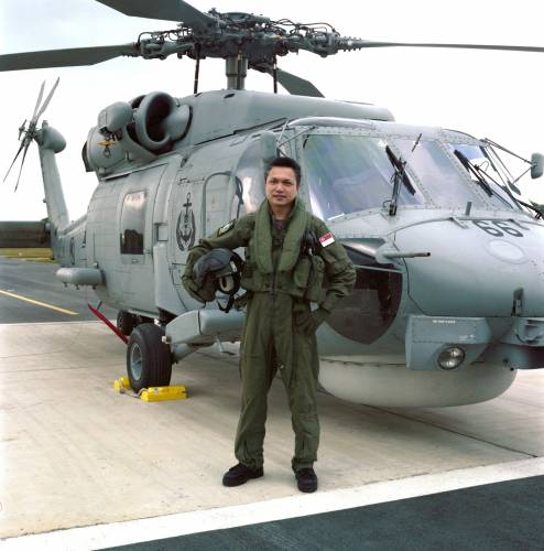Senior Lieutenant Colonel Jonathan Tan, Commanding Officer 123 Squadron, the frigates' Seahawk helicopter detachment