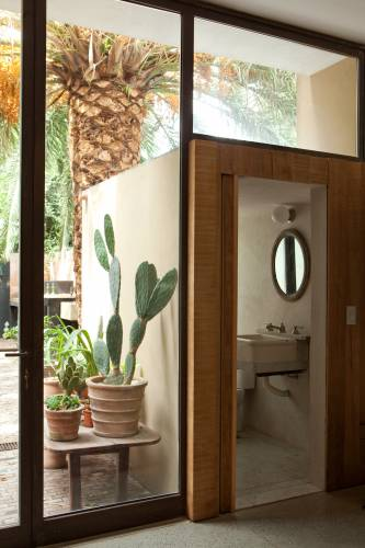 Ground-floor bathroom extends towards the garden