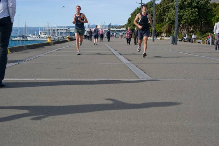 Lunchtime runners on Wellington's waterfront