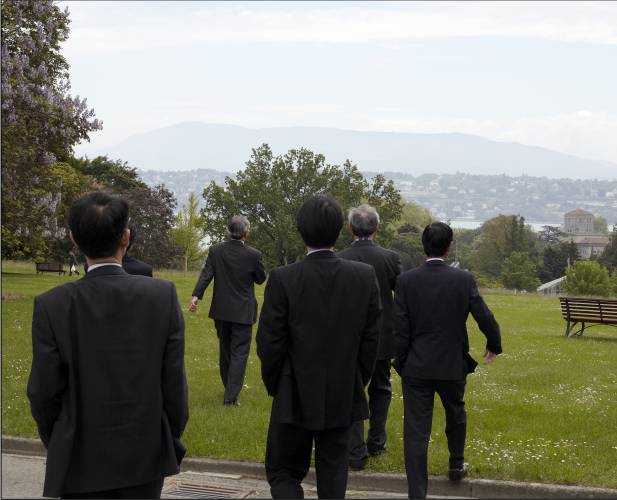 UN Asian delegation take a stroll in the park